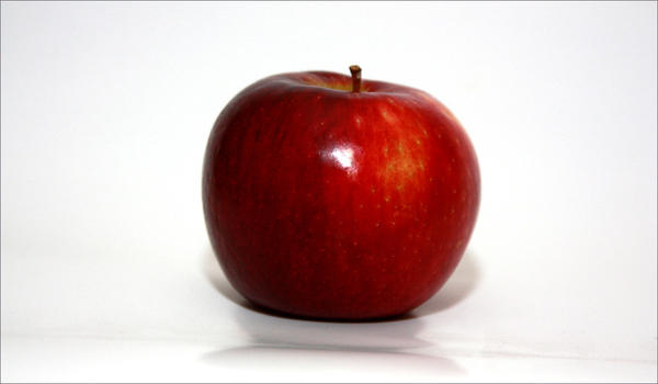 A new apple variety called 'Cosmic Crisp' is at the center of a legal battle.