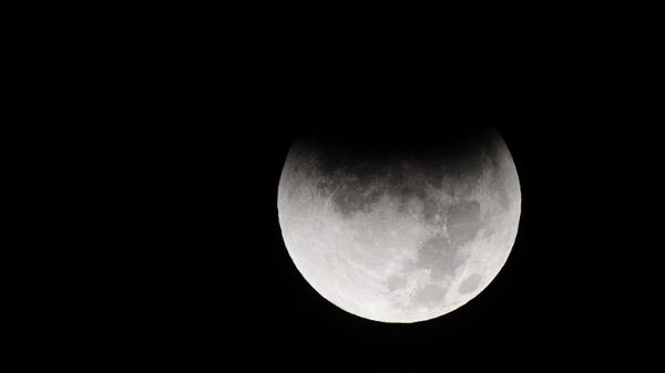 The last lunar eclipse of 2011 as seen from the San Gabriel Valley east of Los Angeles on Dec 10, 2011.