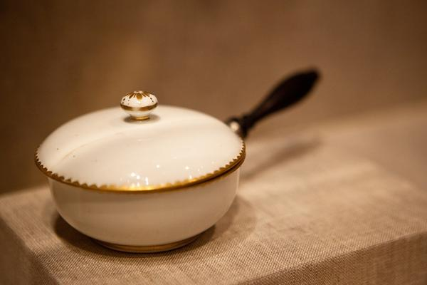 A French cocotte, purchased by George Washington from the French Minister in 1790, would be used to serve warm sauces and ragouts.