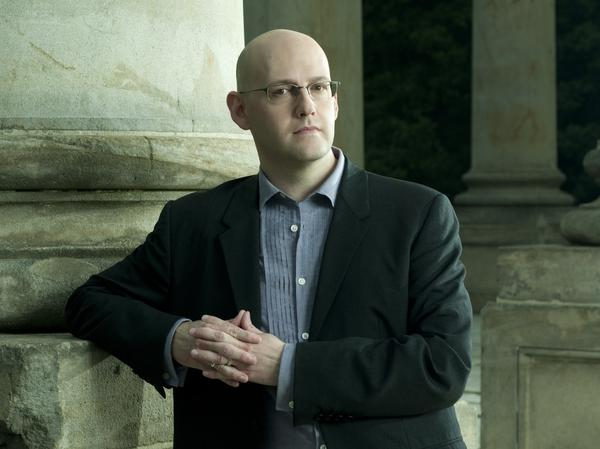 Best-selling author Brad Meltzer is our judge for Round 9 of Three-Minute Fiction. His books include <em>The Inner Circle</em>, <em>The Book of Fate</em> and <em>The Millionaires</em>. His latest book, <em>The Fifth Assassin</em>, is due out in January.