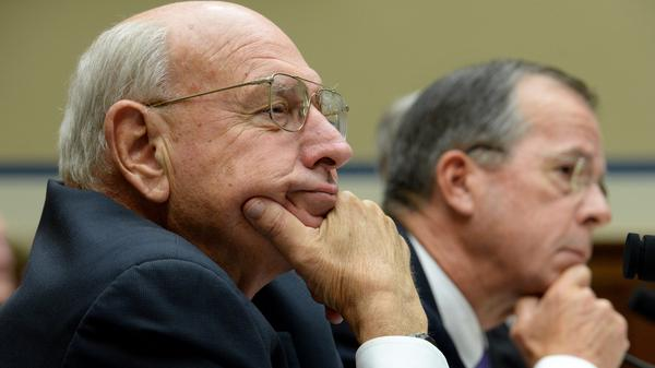Thomas Pickering (left), the chairman of the Benghazi Accountability Review Board, and retired Adm. Mike Mullen testify before the House Oversight and Government Reform Committee on Thursday.
