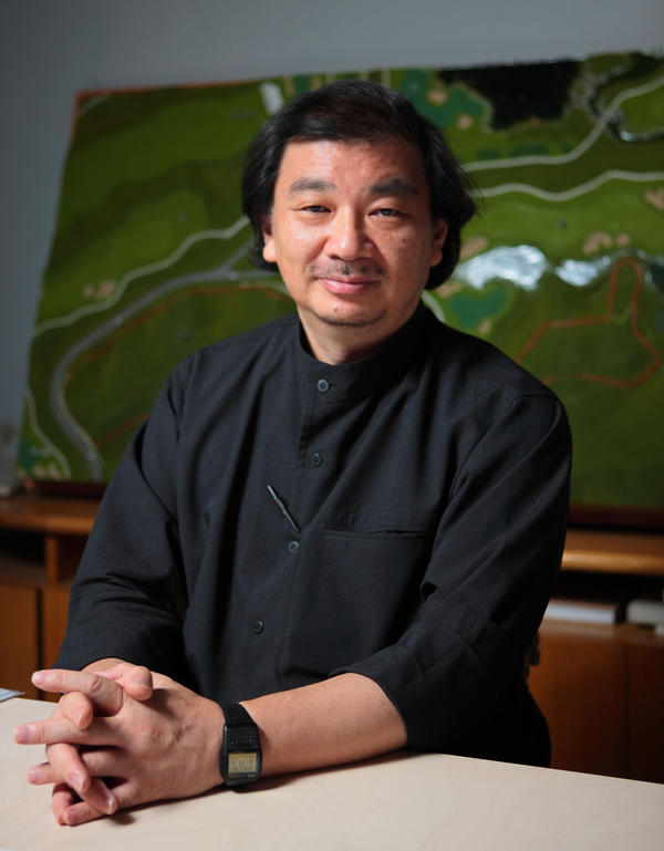 Shigeru Ban was born in Tokyo. After seeing renovations done on his childhood home, he decided that he wanted to become a carpenter. After high school, he studied in the U.S. and then returned to Tokyo and began his own architecture practice in 1985.