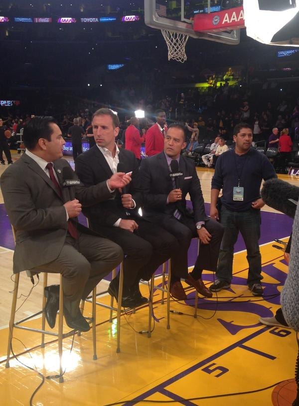 The TWC broadcast crew —Adrián García Márquez, Pepe Sánchez and Francisco Pinto — tape a game intro before tipoff.