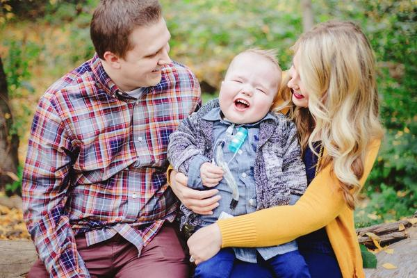 Jake and Natalie Peterson and their son Garrett in October 2014.