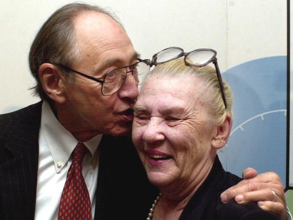 Futurist and writer Alvin Toffler is seen with his wife and longtime writing and research partner, Heidi Toffler, in 2002.