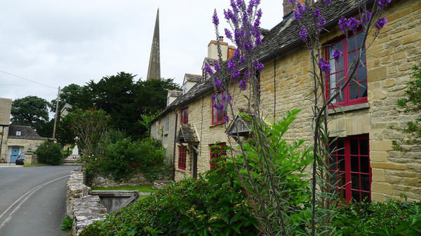 Kidlington is home to a number of 17th century cottages near its medieval church. This is the most historic part of the village, but it's not where the tourists went. Instead, tour buses dropped them off in a residential area built in the 1960s and '70s.