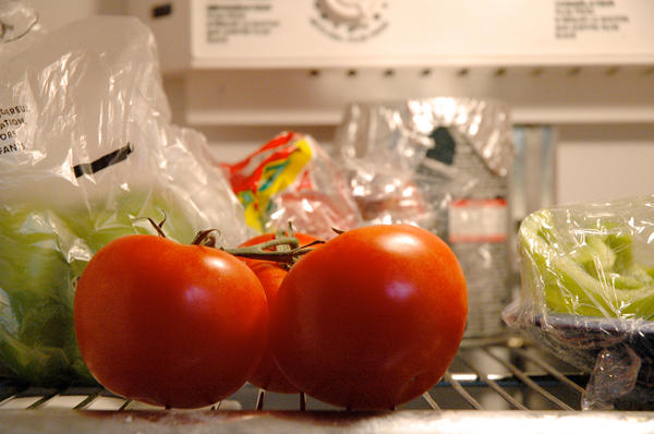 Refrigerating tomatoes may be making them less flavorful, according to a new study.
