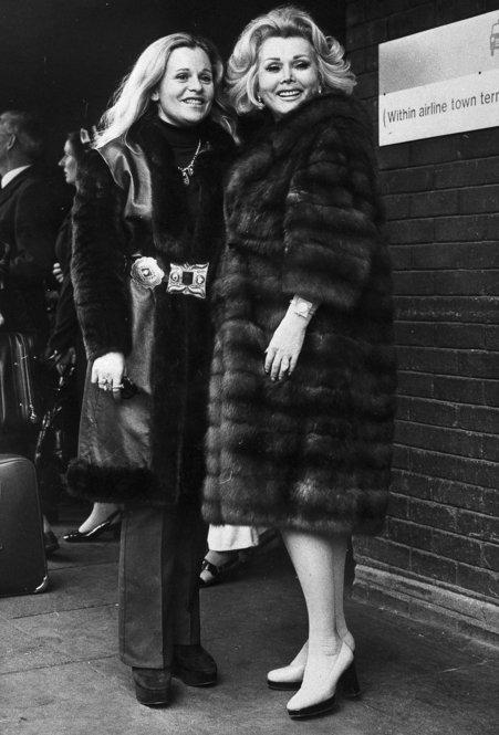 Gabor and her daughter, Francesca Hilton, arrive at London's Heathrow Airport on June 1, 1973, to appear on a television talk show.