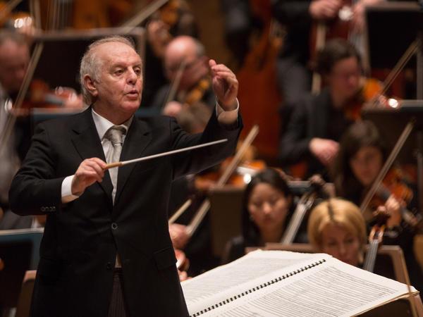 Daniel Barenboim conducts the Staatskapelle Berlin in the symphonies of Anton Bruckner.
