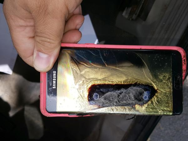 This replacement Samsung Galaxy Note 7 phone melted on Oct 7, says a phone consumer in Minnesota.