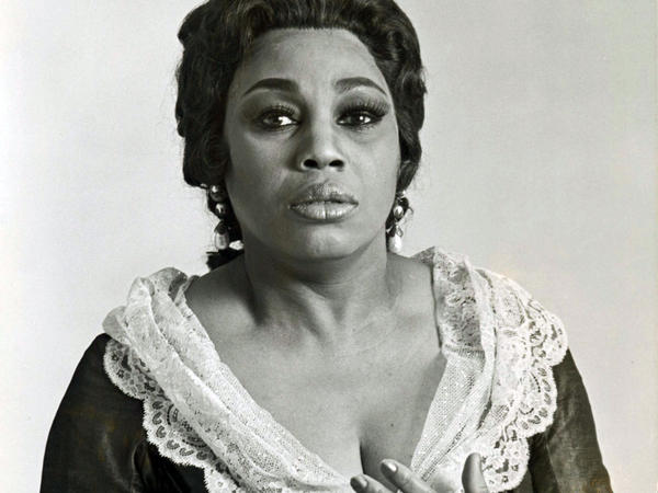 Leontyne Price as Leonore in a Metropolitan Opera production of Verdi's <em>La forza del destino</em>, 1977.
