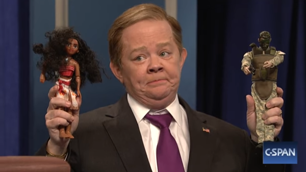 Melissa McCarthy was back as White House press secretary Sean Spicer, demonstrating TSA procedures.