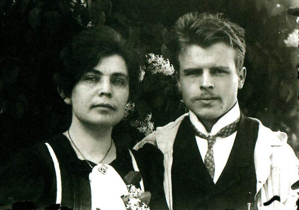 Rorschach and his wife, Olga, at their wedding on May 1, 1910.