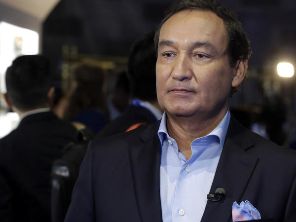 """United Airlines CEO Oscar Munoz in June 2016. On Wednesday, he apologized to a passenger who was dragged off a flight and said, """"This will never happen again."""""""
