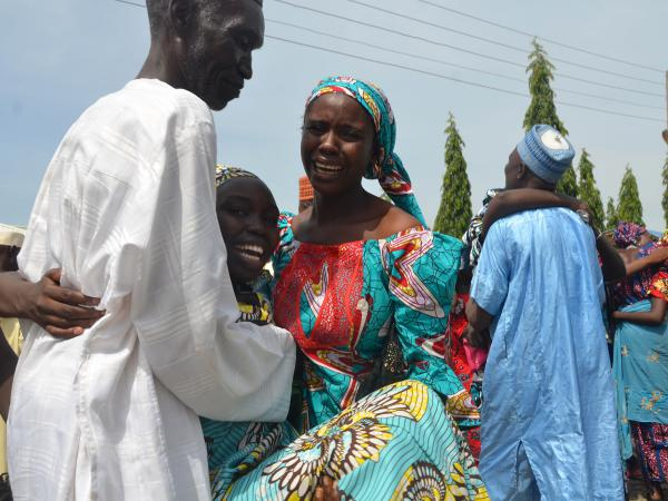 The recently released Chibok girls reunited with their families amidst laughter and tears in the Nigerian capital of Abuja. Still, 113 girls are being held by Boko Haram militants.