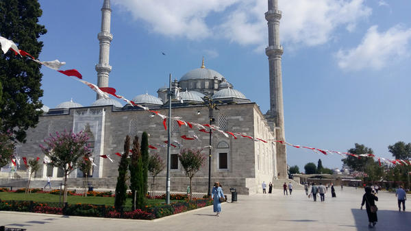 Syrian refugees have settled around Istanbul's Fatih Mosque in recent years.