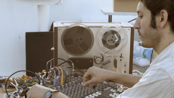 Nicola Cruz brings the chromatic production style of his 2015 album <em>Prender el Alma</em> to <em>El Origen</em>.