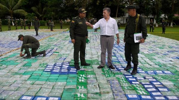 """Colombian President Juan Manuel Santos says the cocaine seizure on Wednesday is """"the biggest in history."""""""