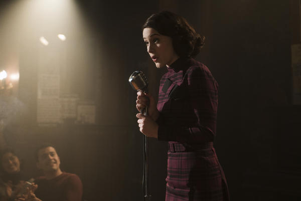 Rachel Brosnahan stars as the spurned housewife who discovers a talent for stand-up comedy in <em>The Marvelous Mrs. Maisel.</em>