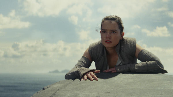 Rey (Daisy Ridley) begins to learn the ways of the Force in <em>Star Wars: The Last Jedi</em>.