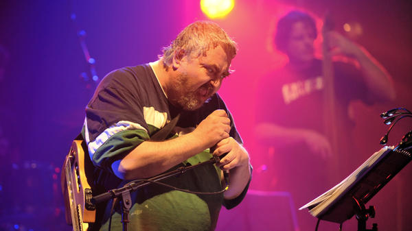Daniel Johnston performing on April 17, 2010 in Bourges.
