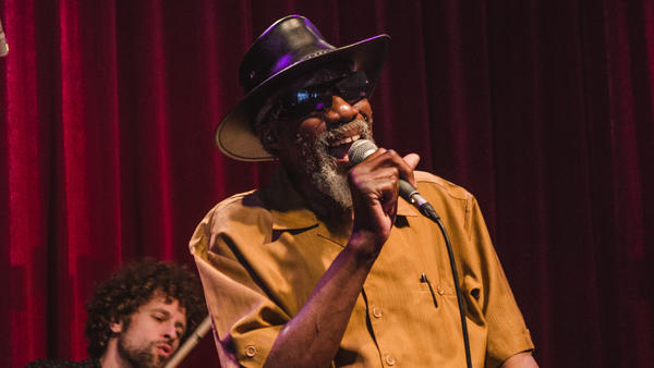 Robert Finley performing live for this session.
