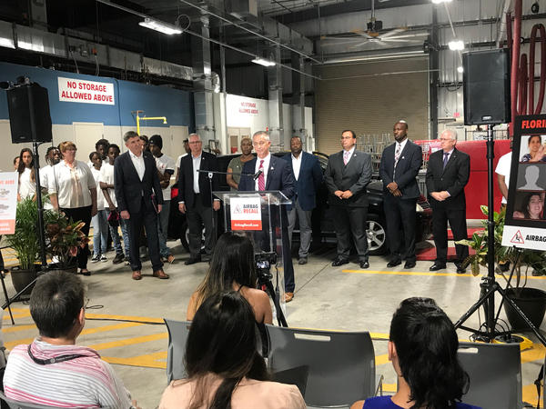 Transportation officials and car manufacturer representatives discussed on Thursday the threat of injuries in South Florida from defective airbags.