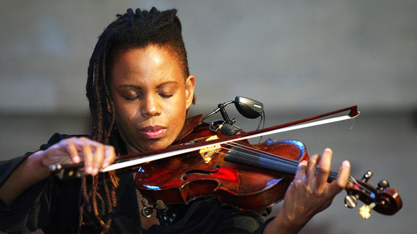 Violinist Regina Carter peforming. Carter is one of the recipients of the 2018 Doris Duke Artist Awards, along with Dee Dee Bridgewater and Stefon Harris, among others.