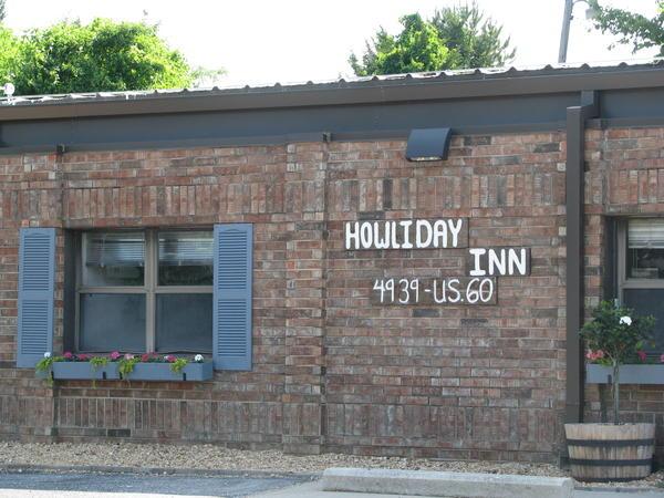 Howliday Inn, Where K9s for Camo is Based