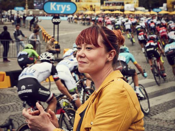 <em>Eat. Race. Win. </em>follows the 2017 Tour de France through the eyes of Orica-Scott team chef Hannah Grant.
