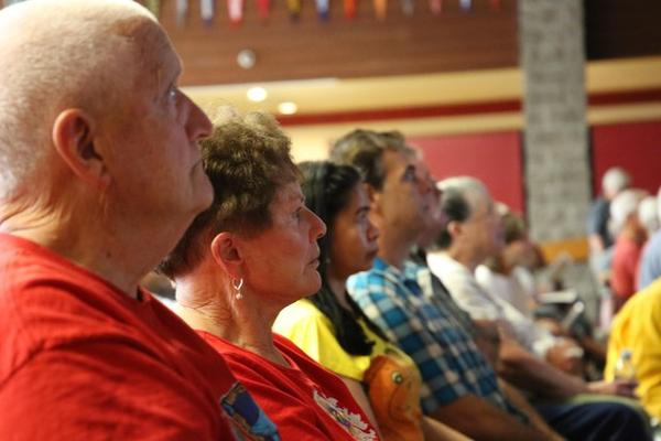 <p>About 400 people turned out to a community meeting with fire managers in Merlin, Oregon, as the&nbsp;Taylor Creek Fire threatened hundreds of homes.</p>