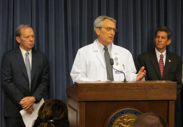 (From left) Illinois Senate President John Cullerton, Paul Pederson, MD, and Scott Saxe speak against Gov. Bruce Rauner's veto of statewide Tobacco 21 legislation