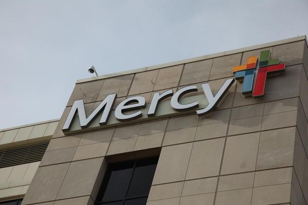 The exterior of Mercy Hospital Springfield