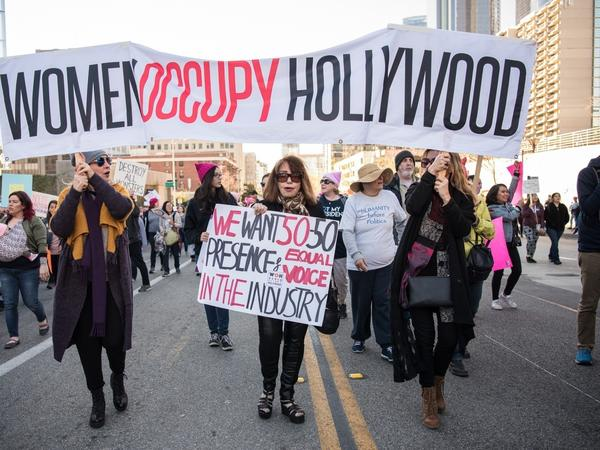 LOS ANGELES, USA - JANUARY 20: People participate in the Women's March rally on January 20, 2018 in Los Angeles, California, United States. (Photo by Morgan Lieberman/Anadolu Agency/Getty Images)