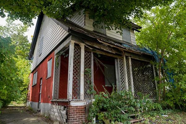 An historic neighborhood in Pontiac has been named as one of 20 sites across the country which will get a shot at part of $2 million for restoration.