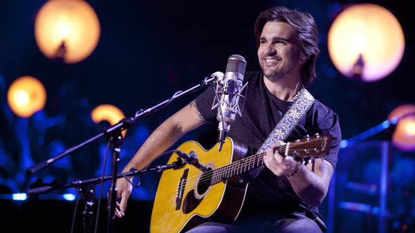 Juanes' latest album is all acoustic, and was recorded in front of a live audience as part of MTV's <em>Unplugged</em> series.