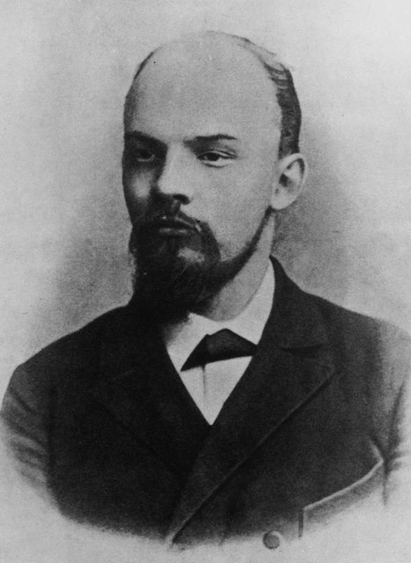 Vladimir Lenin in 1900. In our counterfactual history, his career as the producer of the musical <em>Pins and Needles</em> is only a few years away.