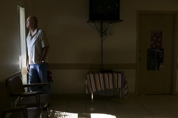 Dr. Lester Minto closes his clinic, Reproductive Services of Harlingen, after 35 years.