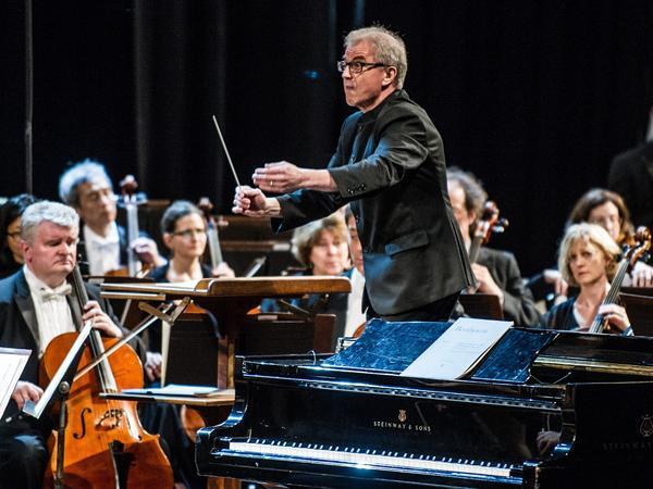 Osmo Vänskä conducts the Minnesota Orchestra in Havana, Cuba in May 2015.