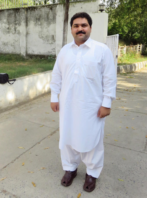 Babar Nawaz Khan, chairman of Pakistan's parliamentary committee on human rights, is trying to strengthen punishment for organ traffickers, who have tried to bribe him to stop his efforts.