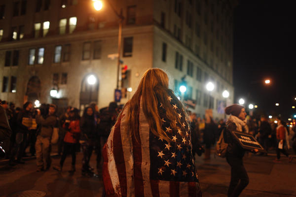 Protests began in the early morning hours, with attempts to block entrances to the National Mall and parade route.