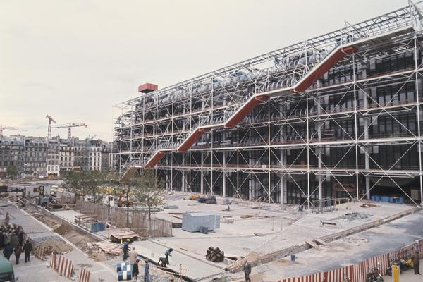 The design of the Pompidou Center, shown here under construction before it was inaugurated in January 1977, was compared by some to an oil refinery.