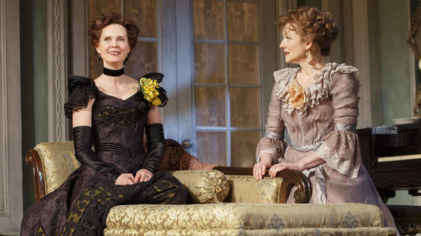 Cynthia Nixon (left) and Laura Linney alternate playing the roles of Regina (left) and Birdie in <em>The Little Foxes</em>.