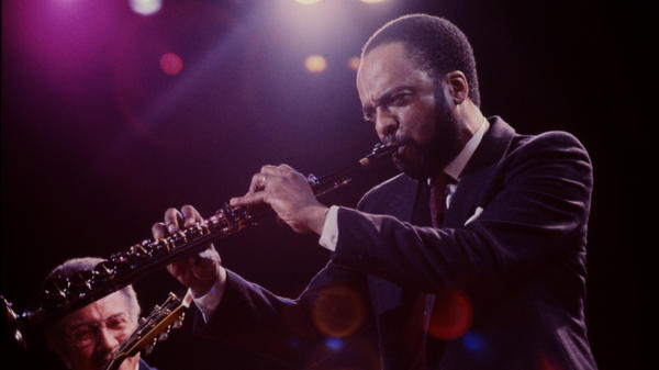 """Grover Washington Jr. performs on stage during the """"One Night With Blue Note"""" concert in New York on Feb. 22, 1985."""