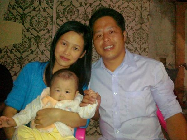 Zhuang Liehong with his wife, Little Yan, and one of his sons, Kaizhi, in 2013 — a year before immigrating to the United States.