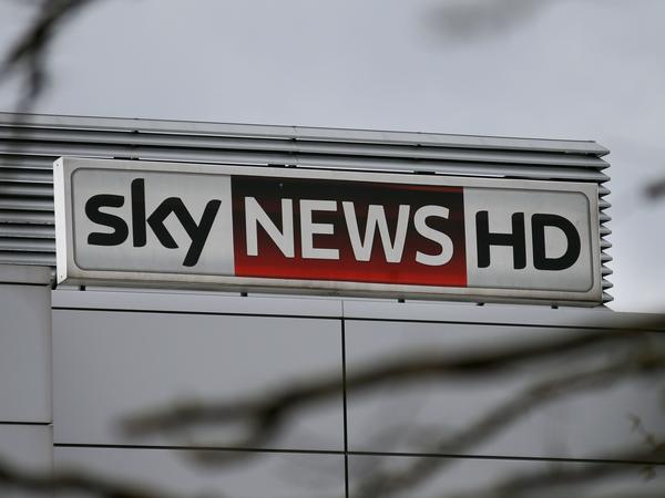 Sky's independent directors have withdrawn their support for a deal for 21st Century Fox to buy the British company, setting the scene for a possible bidding war.