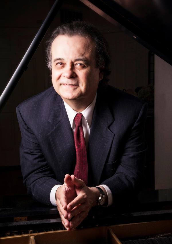 Pianist Antonio Iturrioz