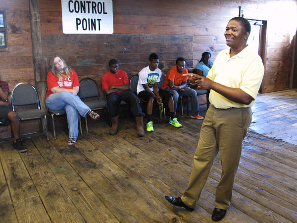 Organizer Leroy Clemons leads a meeting of the Neshoba Youth Coalition.