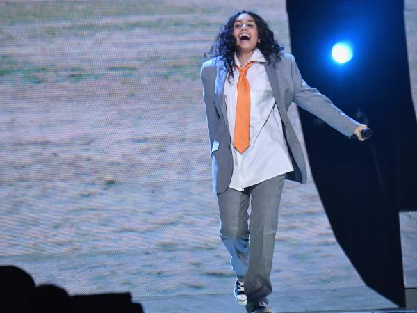 Alessia Cara, performing live earlier this month in Spain, released one of our must-hear albums for Nov. 30, <em>The Pains Of Growing.</em>