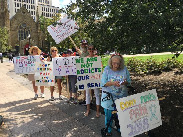 Chronic pain patients at Ohio Statehouse